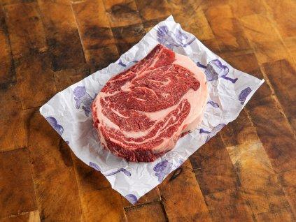 Vysoká roštěná s kostí z jalovice nebo volka na steak
