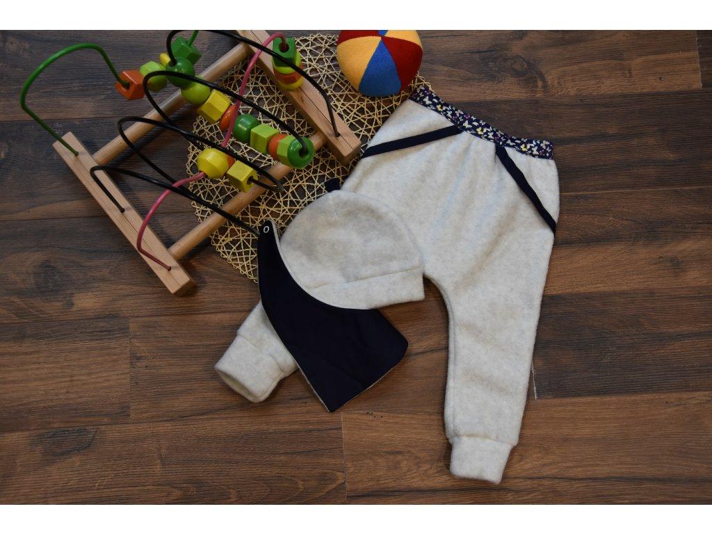 SET kalhoty v pase na gumu s motýlky , čepička, šátek