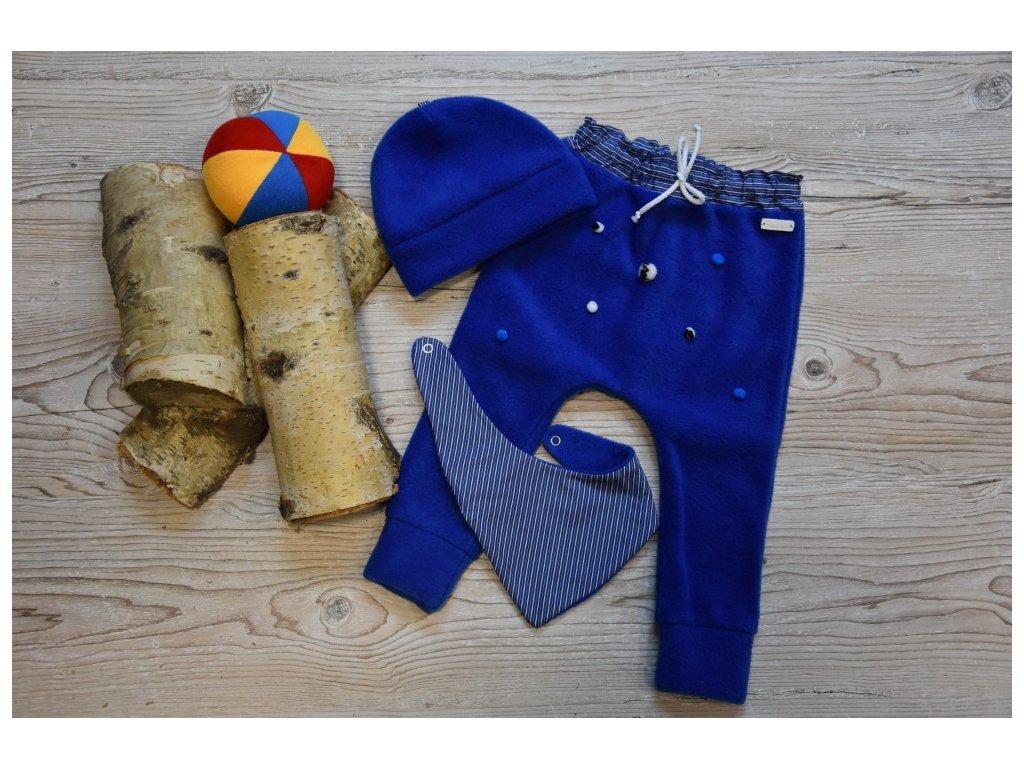 SET kalhoty, čepička, šátek modrý s barevnými bambulkami