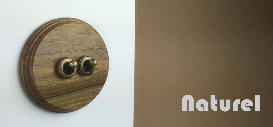 Naturel - rámeček ořech/páčka mosaz