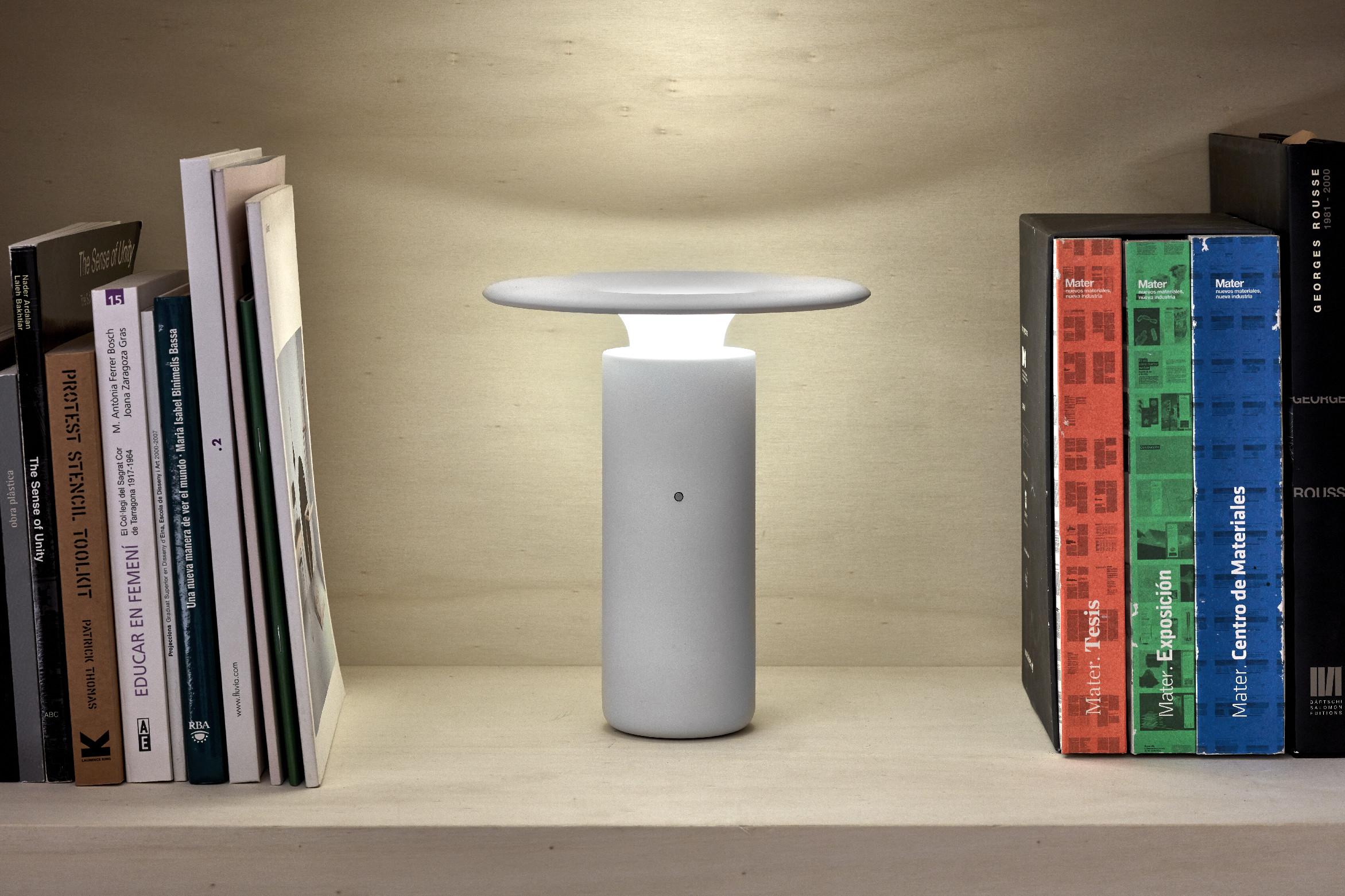 Kolekce stolních lamp Nais