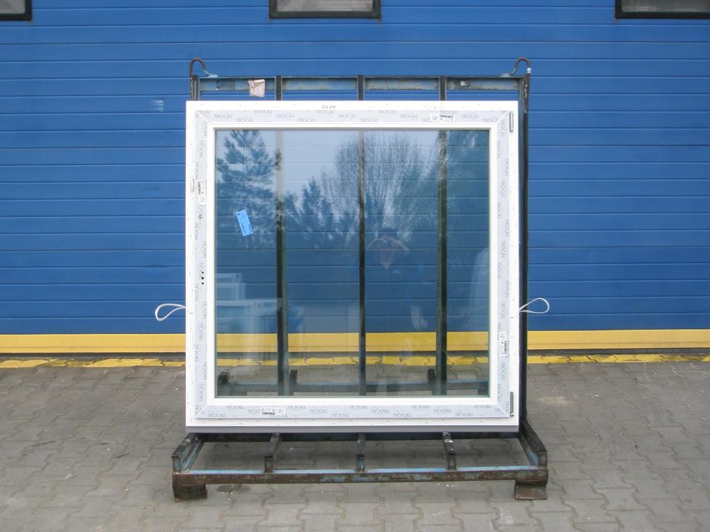 KBE Plastové okno - 2400x1500 mm, otevíravé/sklopné (O/OS sloupek), zlatý dub/bílá