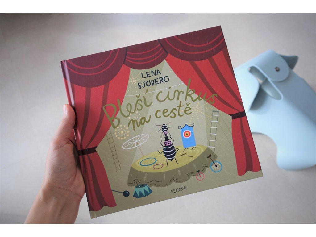 Kniha Bleší cirkus na cestě