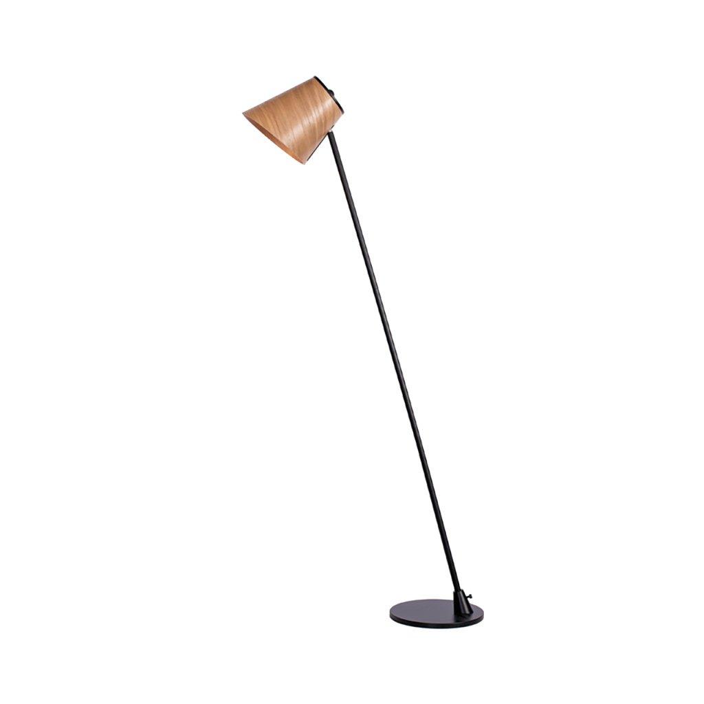 stojací lampa s dřevěnou hlavou