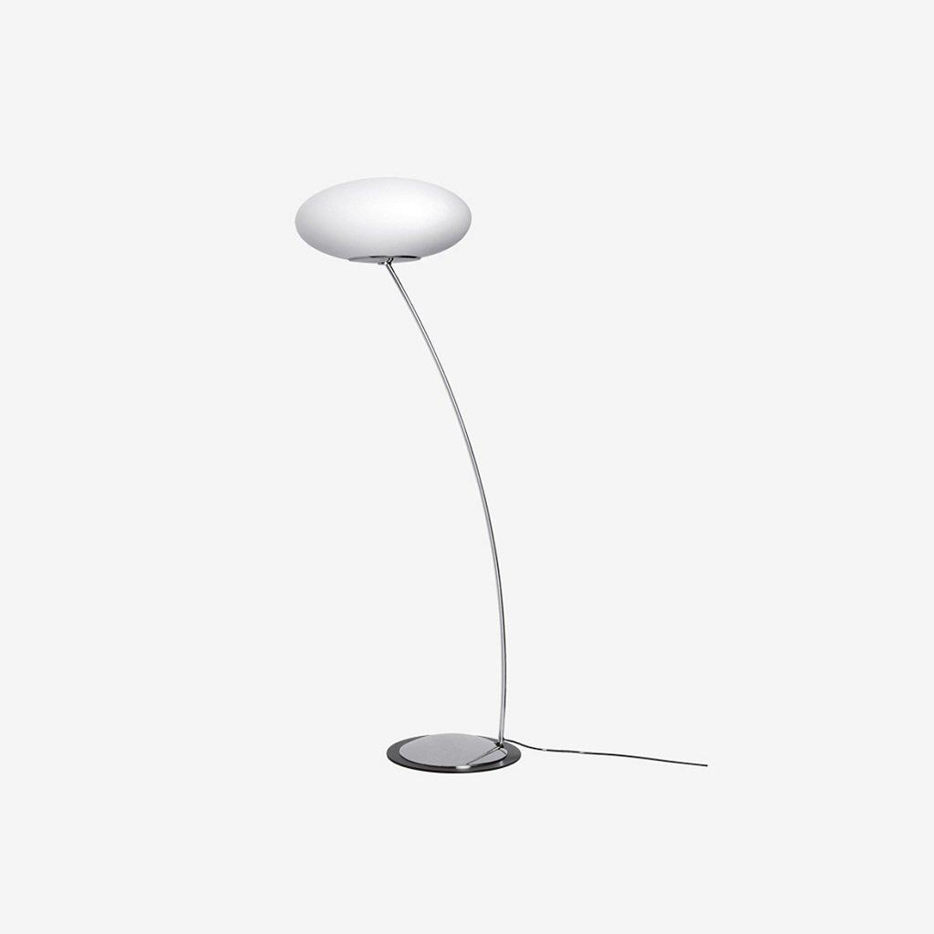 stojací lampa s opálovým sklem