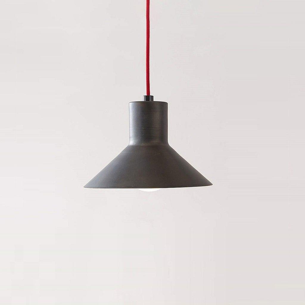 designové železné svítidlo
