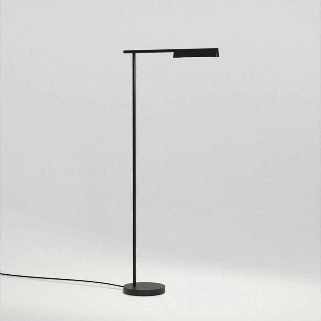 designová stojací lampa