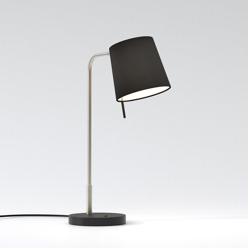 konzervativní stolní lampa