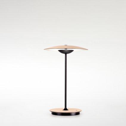 dřevěná stolní lampa