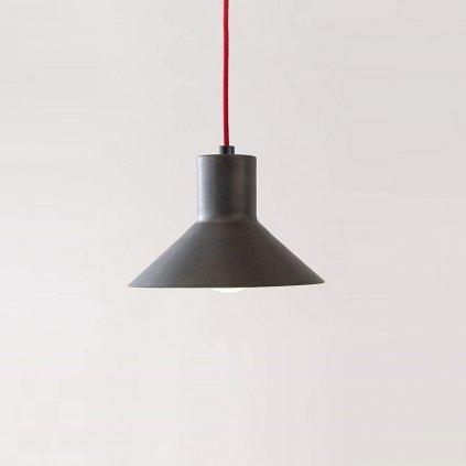 železné svítidlo