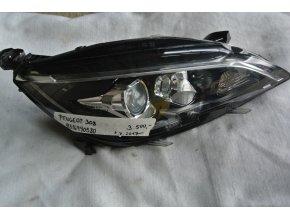 Světlomet pravý, přední Peugeot 308 č. 9816990580