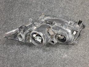 Světlomet pravý přední Renault Megane XENON č. 89312780