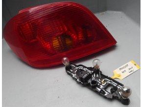 Zadní světlo levé Peugeot 307 č. 899023238
