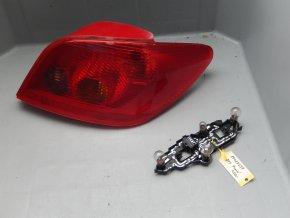 Zadní světlo pravé Peugeot 307 č. 89023239