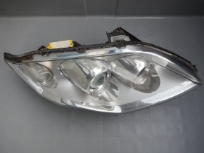 Světlomet pravý přední Renault Laguna č. 26010003R