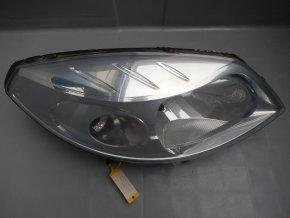 Světlomet pravý přední Dacia Sandero č. 8200733877