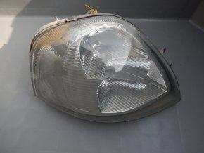 Světlomet přední pravý Renault Master 8200163518
