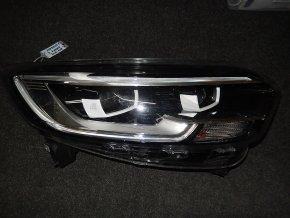 Světlomet pravý přední Renault Kadjar Full LED č. 260101637R