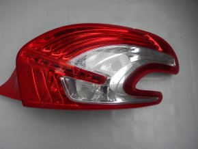 Zadní světlo pravé Peugeot 208 č. 9672628280-01