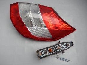 Zadní světlo pravé Renault Scénic II č. 8200493375