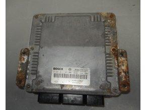 Řídící jednotka motoru 1.9 DCi Bosch Renault Laguna II č.  0281011101    8200163528    8200095416