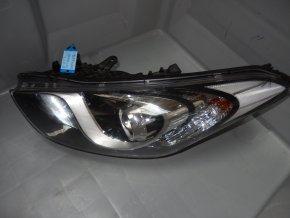 Světlomet levý přední Hyundai i30 se servomotorkem k regulaci sklonu světla  92101-A6000