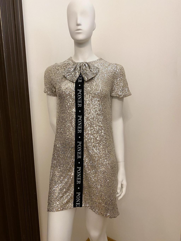 Šaty PONER s krátkým rukávem