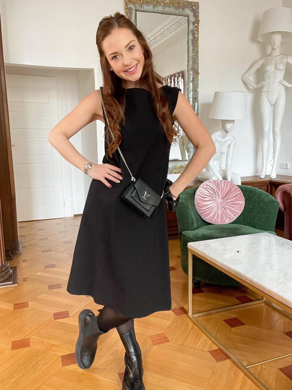 Basic černé šaty