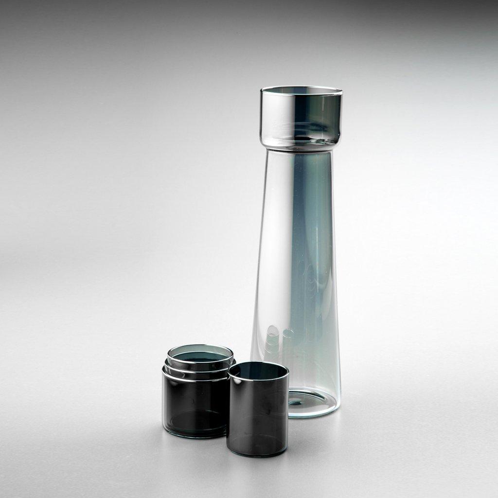 Skleněný nápojový set Water Tower od Jakuba Berdycha ze studia QUbus