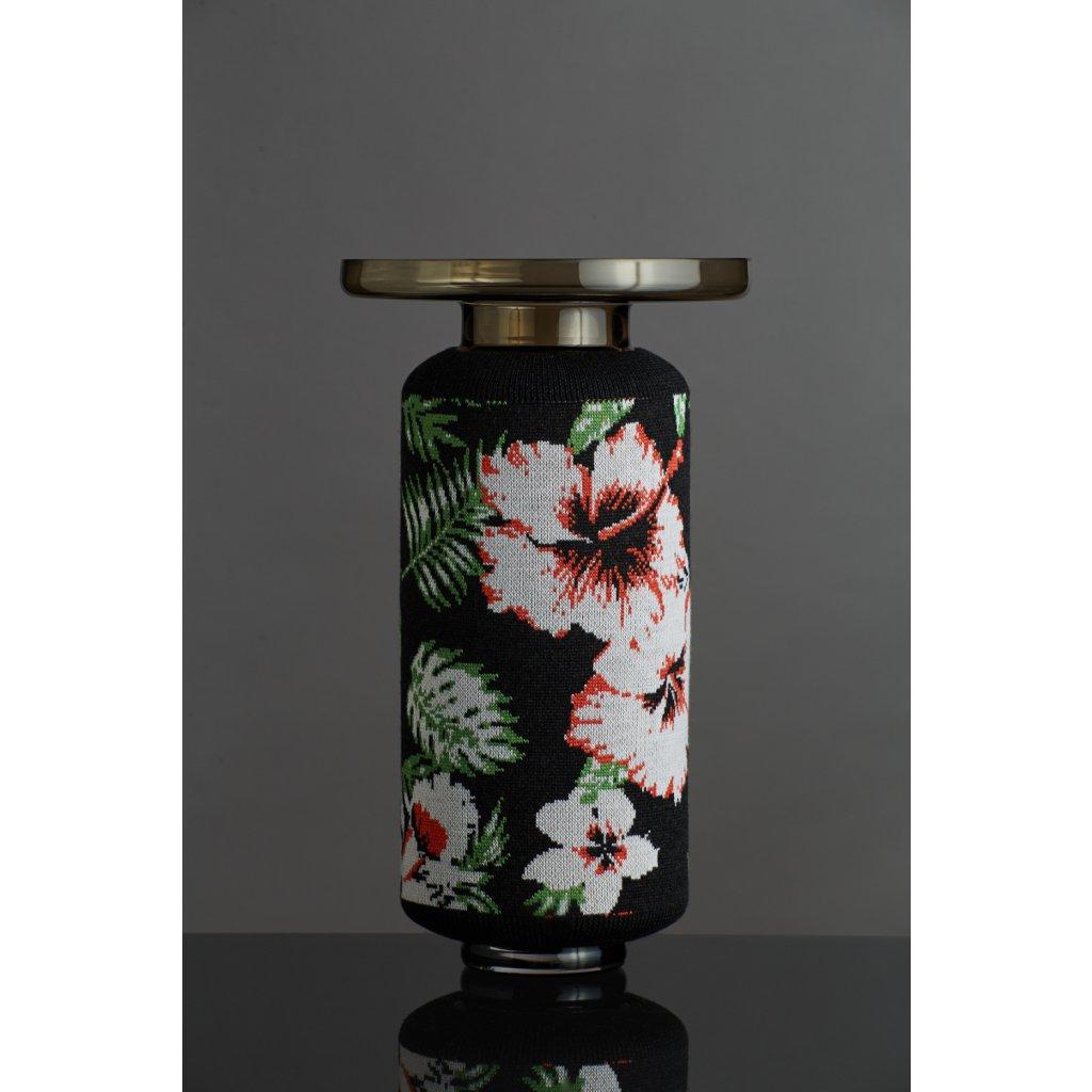 Knitted vase