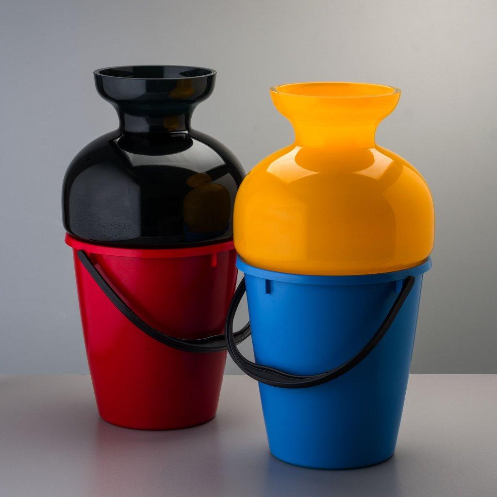 qubus jakub berdych karpelis bucket vase 1 black glass yellow glass