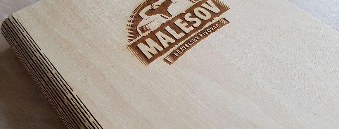 Dřevěné desky s blokem