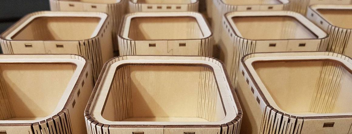 Dřevěná dárková krabička s víčkem