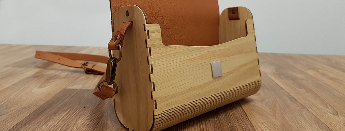 Dřevěná kabelka
