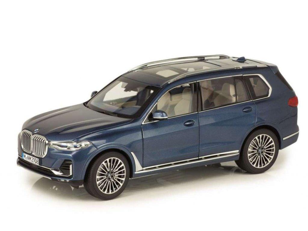 Miniatura vozu 1:18 BMW X7
