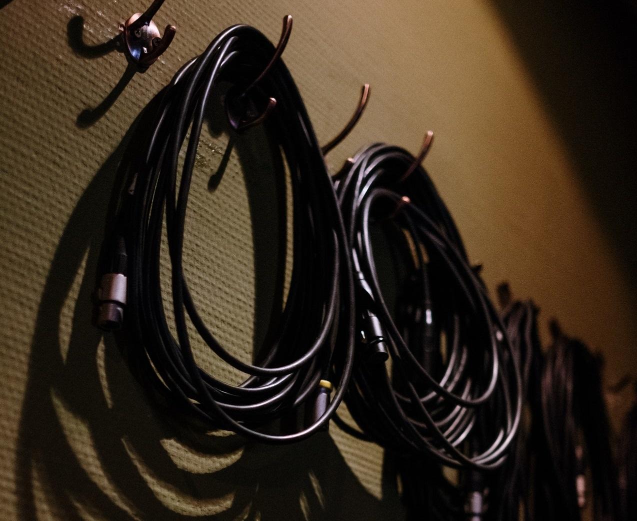 zavesny-system-na-naradi-kabely