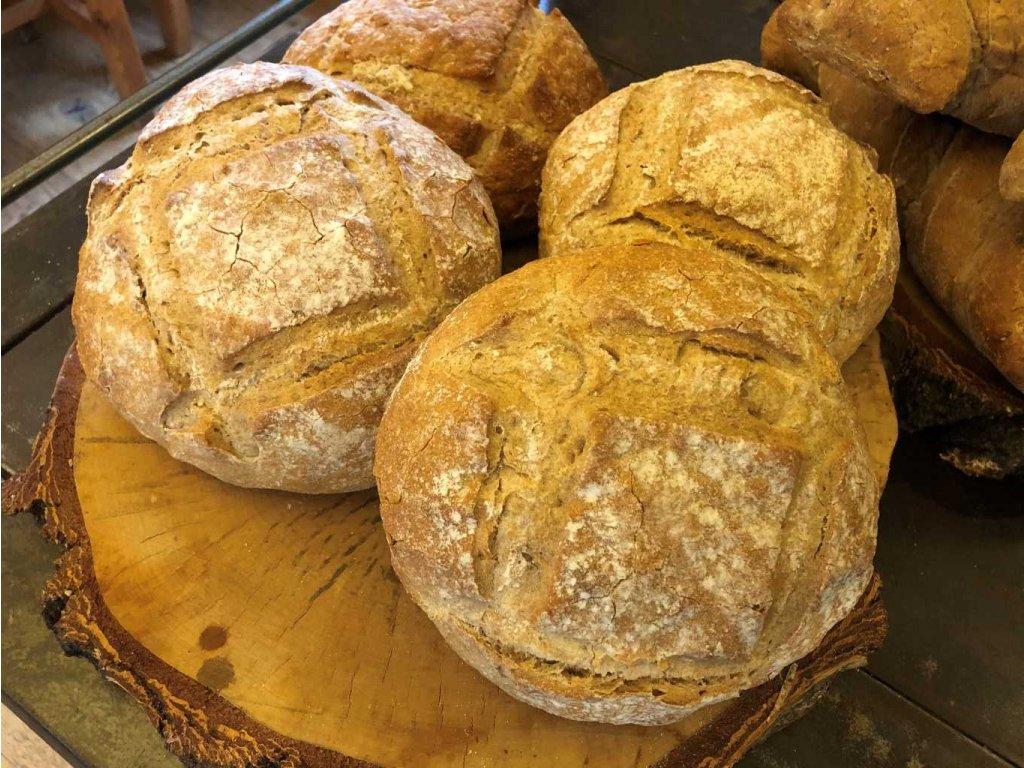 Čerstvě upečený Řemeslný chléb 450g
