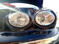 Světlomety Jaguar X Type po leštění sadou na renovaci světlometů Rowax