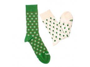 ponožky zima v lese