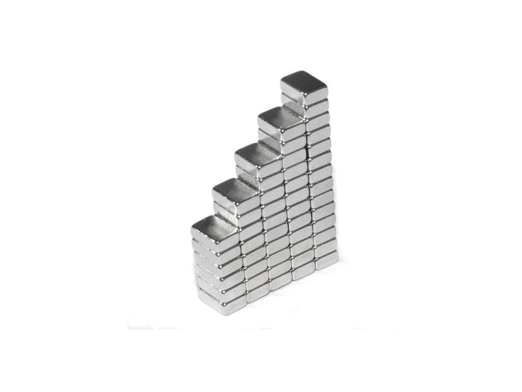Neodymový magnet hranol 6x4x2mm, NdFeB, 44H, poniklovaný