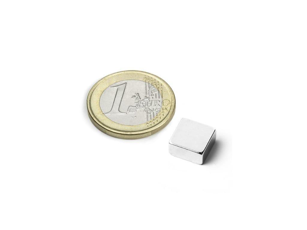 Neodymový magnet hranol 10x10x3mm, Neodym, N42, poniklovaný