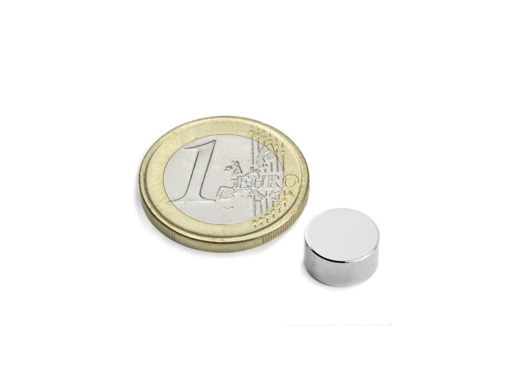 Neodymový magnet válec D10x5mm, Neodym, N45, poniklovaný, diametrálně magnetizován