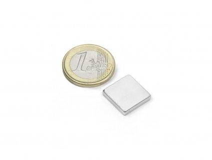 Neodymový magnet hranol 15x15x3mm, Neodym, N45, poniklovaný