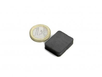 Feritový magnet hranol 25x20x6mm, Ferit, Y35, bez povrchové úpravy