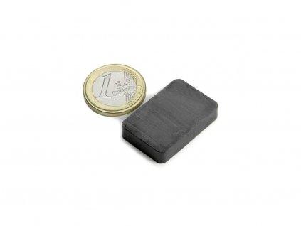 Feritový magnet hranol 30x20x6mm, Ferit, Y35, bez povrchové úpravy