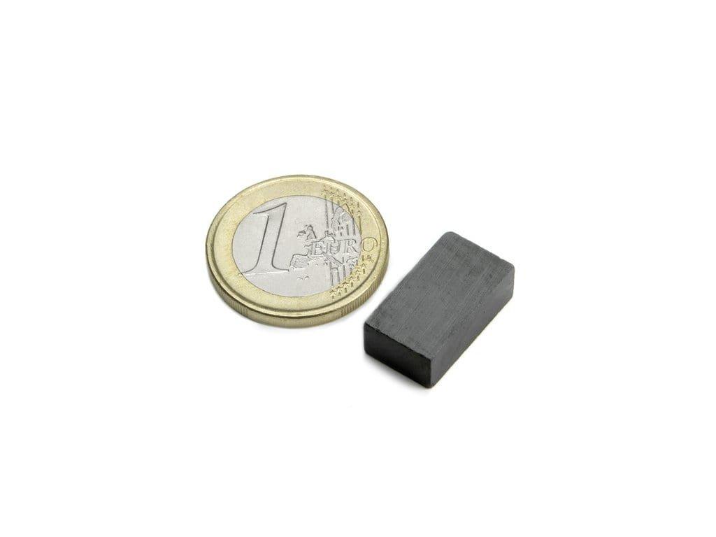 Feritový magnet hranol 18x10x6mm, Ferit, Y35, bez povrchové úpravy