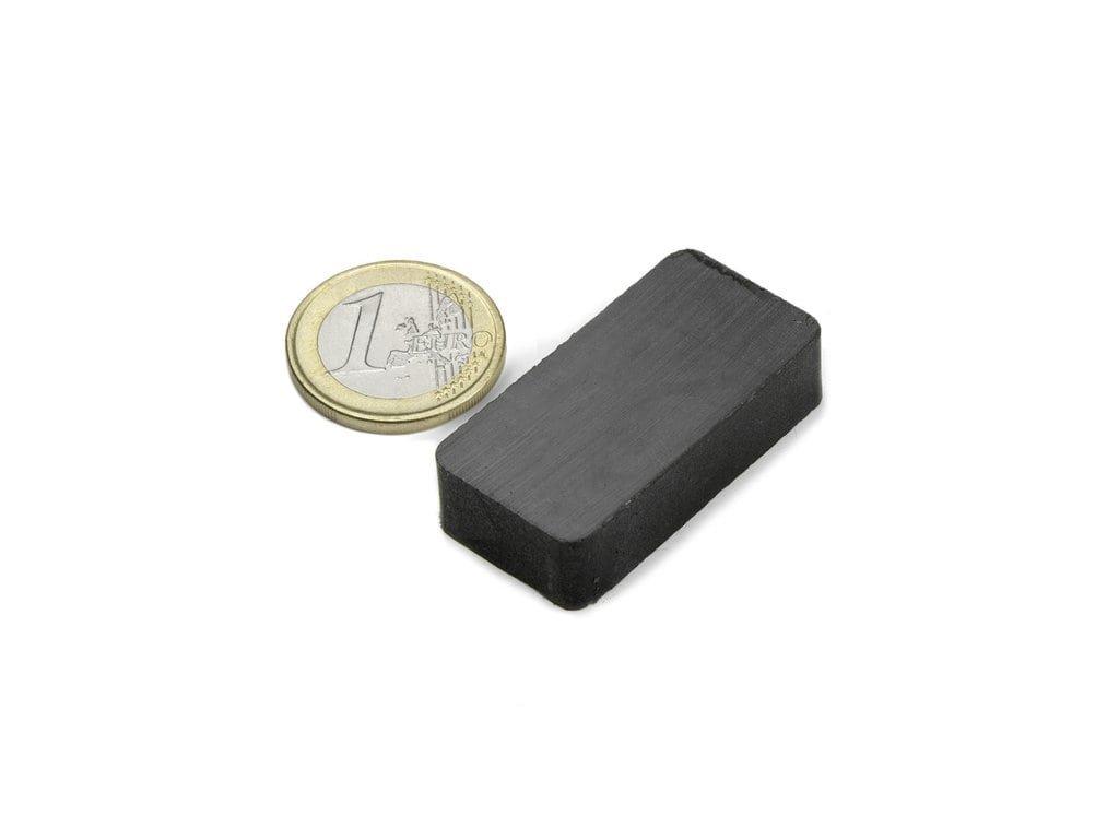 Feritový magnet hranol 40x20x10mm, Ferit, Y35, bez povrchové úpravy