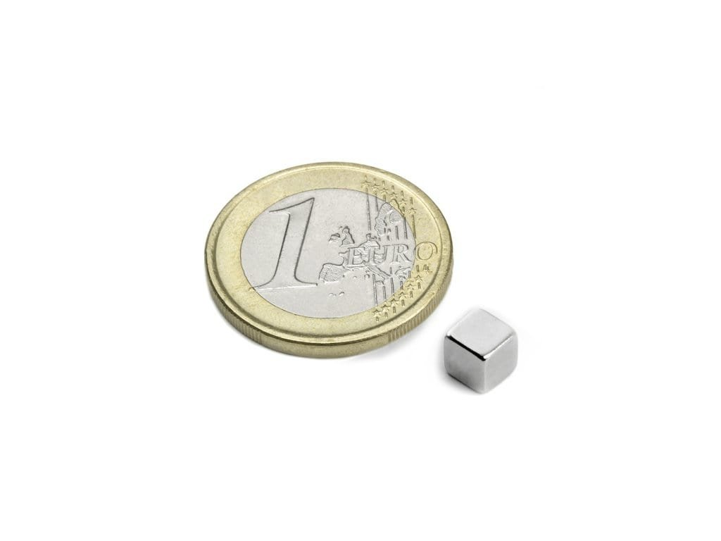 Neodymový magnet hranol 5x5x5mm, Neodym, N42, ponikelovaný