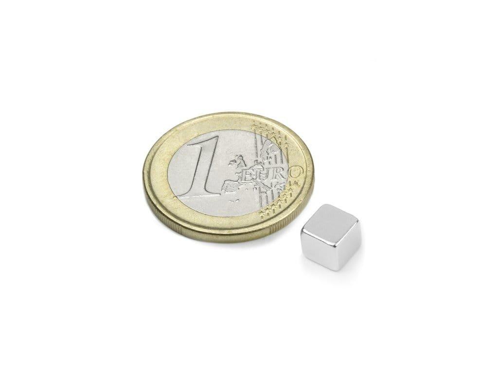 Neodymový magnet hranol 6x6x6mm, Neodym, N42, ponikelovaný