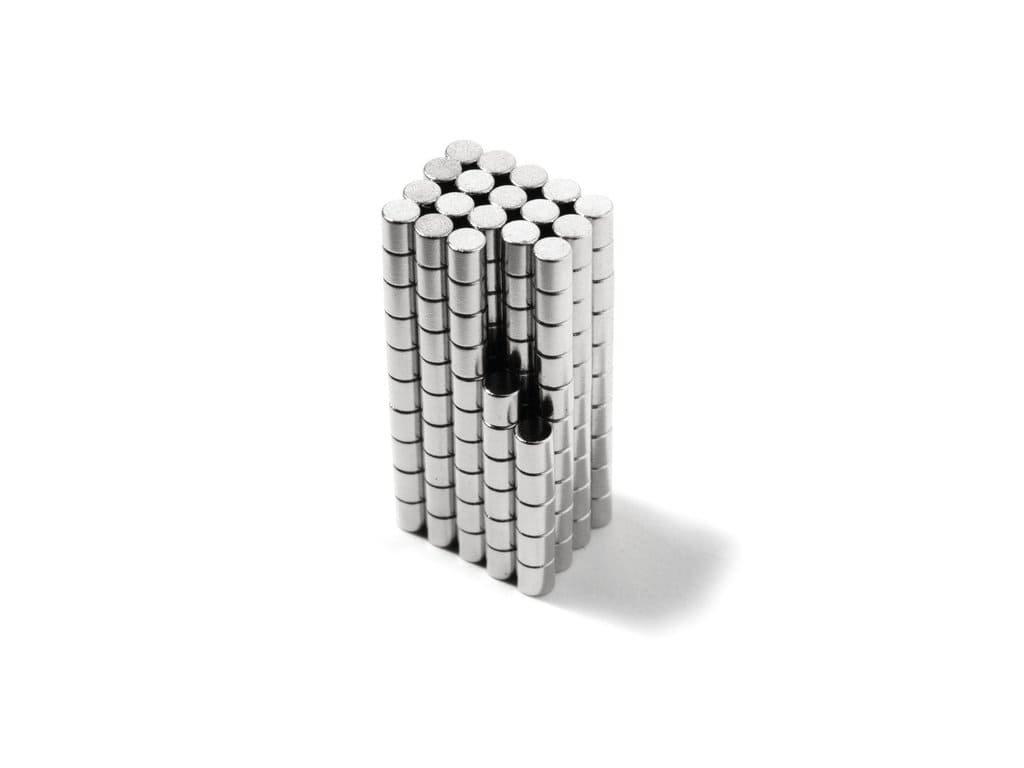 Neodymový magnet valec D2x2mm, Neodym, N48, ponikelovaný